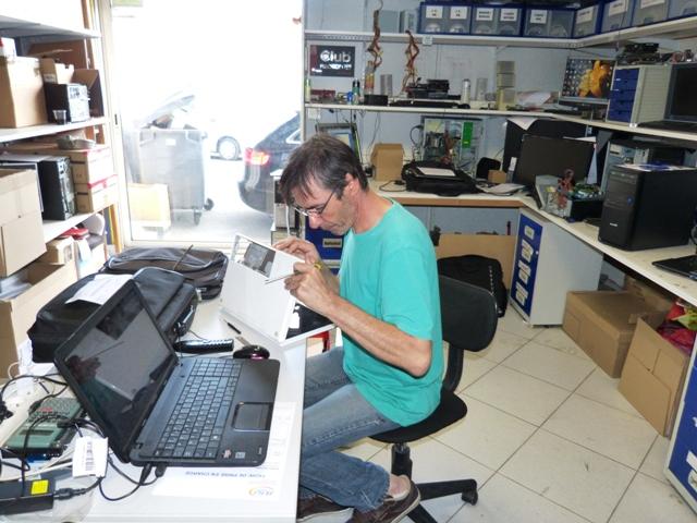 Dépannage Informatique Réparation Ordinateur Téléphone: Réparateur écran PC Portable Avec Dalle Brisée, Cassée
